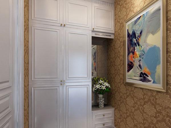 欧式风格,因其高贵儒雅又不失时尚的气质倍受现代人的追捧,但是正统的欧式风格应该是怎样的呢?需要配备一些什么装饰要素?空间特点又有什么要求?看看这套70平米小户型装修效果图,你就能体味到纯正欧式居室的柔和与美妙。   业主需求    虽然暂时还没有那么快搬进去新家居住,但我已经迫不及待想把空间布置好了,一来可以先放着先除味,二来想快点晒晒新家的环境和格局。喜欢欧式风格的装修希望设计师大胆设计,呈现出令人赞叹的优雅空间。   吴小姐    设计理念   客餐厅以温馨的暖色为主,兼顾休闲、娱乐、展示