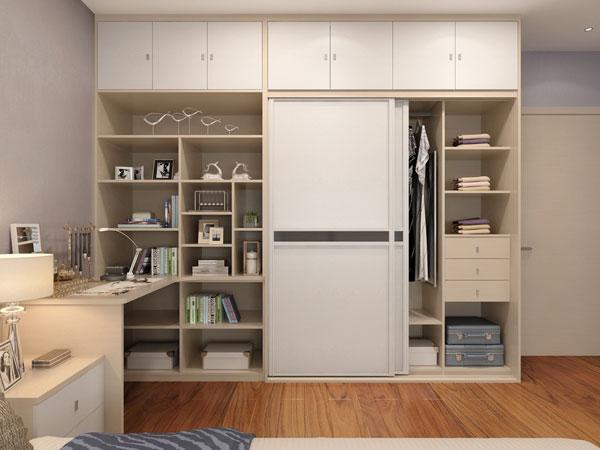 雖然沒有過多的色彩,樸素的白也能締造出寧靜與溫馨的家庭住宅。設計師透過對戶主的生活習慣、喜好的了解,結合戶主的具體需求做規劃,將整個空間以素雅的白色作為基調,簡約的布局,呈現出一個擁有減壓功能的溫馨居室。   業主需求   戶型算中等,轉角、梁柱空間令人煩惱,喜歡簡潔的色彩搭配杜絕過分的艷麗,另外我希望空間能夠客餐廳要過渡流暢有視覺分隔,也期待著書房與臥室的規劃,能給我們帶來溫馨、減壓的感受。 楊小姐    設計理念   依據需求,按需所配,以現代簡約主義的風格為基調,以純為美的色彩搭配與